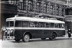 В Киеве пустили первый троллейбус (1935)